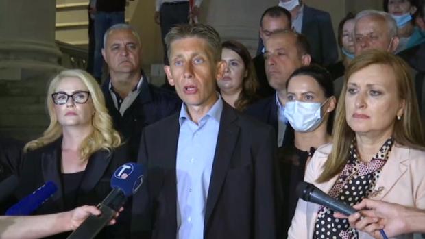 Sandra Božić prekinula štrajk glađu, Martinović nastavlja