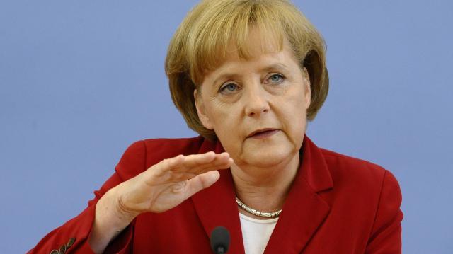 Merkel: Islamska država je daleko od poraza