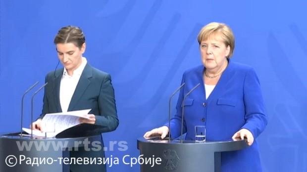 Merkel: Podržavamo razvoj Srbije