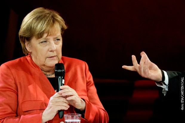 Merkelova podržava Vebera za predsednika Evropske komisije
