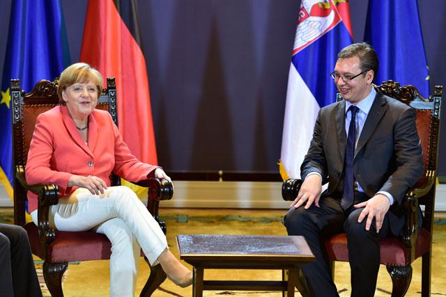 Vučić razgovarao telefonom sa kancelarkom Nemačke Angelom Merkel