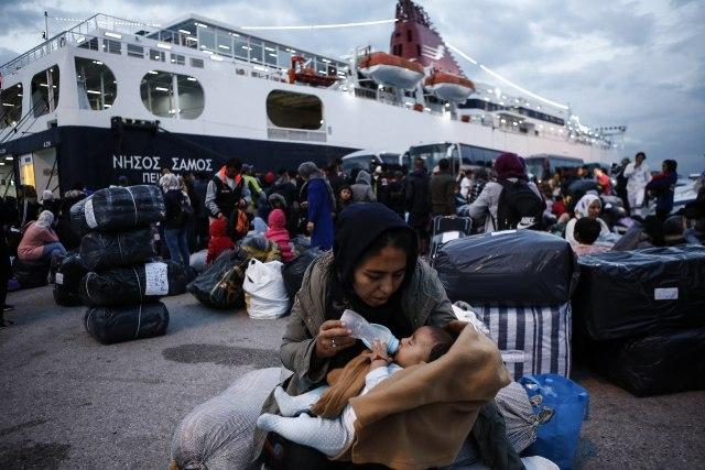 Veliki požar u prihvatnom centru, grčke vlasti evakuišu migrante