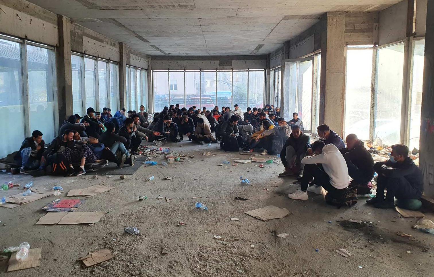 MUP pronašao 82 migranta, sprovedeni u prihvatni centar