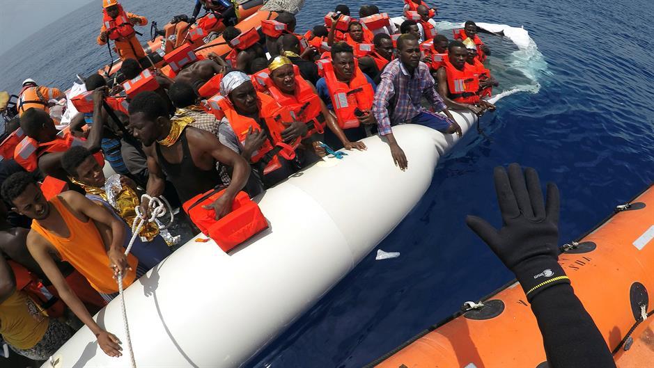 Salvini zabranio brodu sa 100 migranata da uplovi u vode Italije