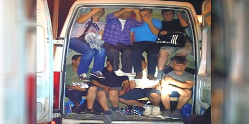 Policija u S.Makedoniji pronašla 43 migranta u kombiju