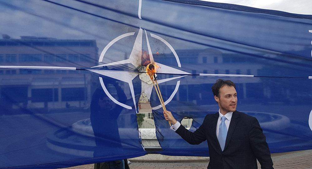Milačić u policiji zbog paljenja NATO zastave