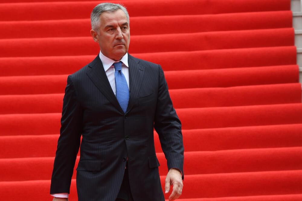 Đukanović optužuje Vučića da je promoter velikosrpske politike