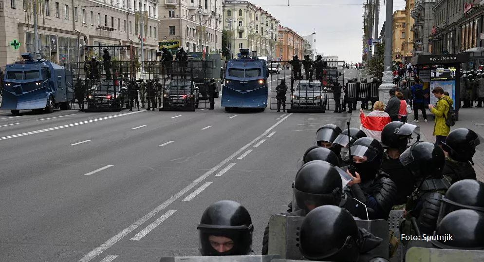Novi protesti u Minsku, oklopna vozila čuvaju Lukašenkovu rezidenciju