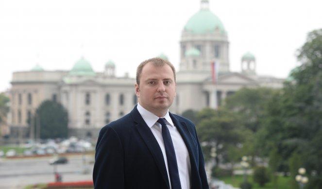Mirković: Obradović zloupotrebljava pitanje KiM