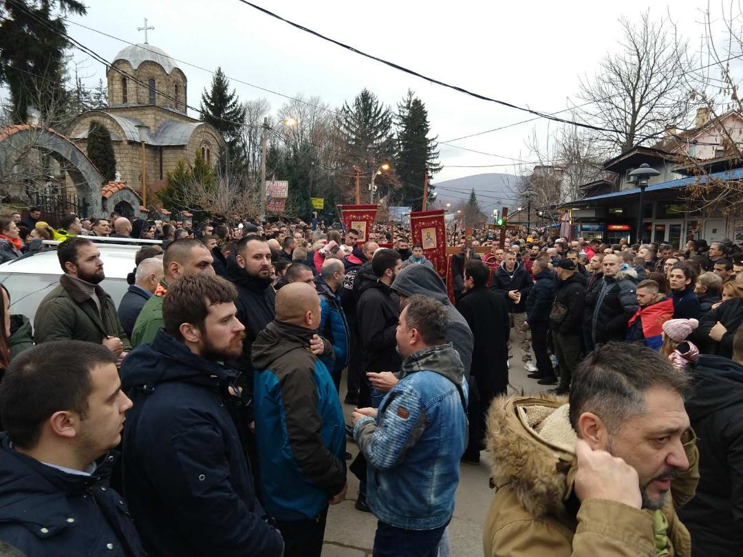 U Zvečanu počeo moleban za pravoslavni narod Crne Gore