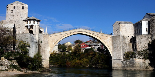 Dodik: Sa Vučićem o završetku Saborne crkve