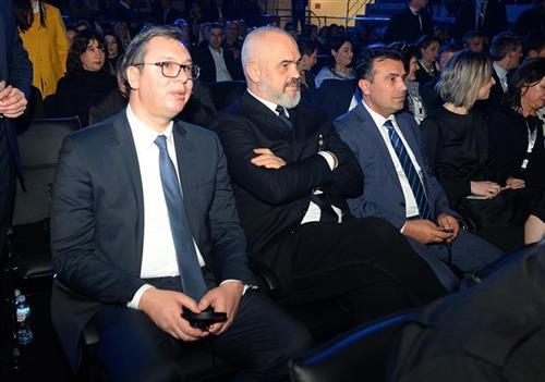 Vučić na donatorskom koncertu u Tirani