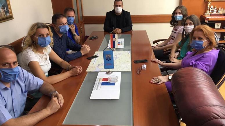 Pokloni najboljim đacima za Dan opštine Zubin Potok