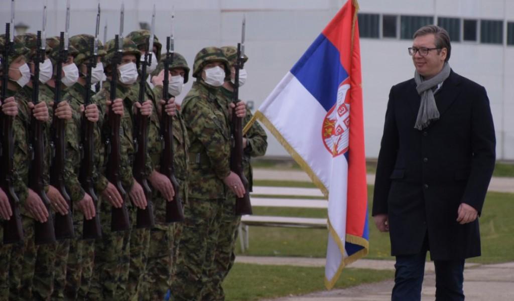 Vučić čestitao Dan Vojske Srbije