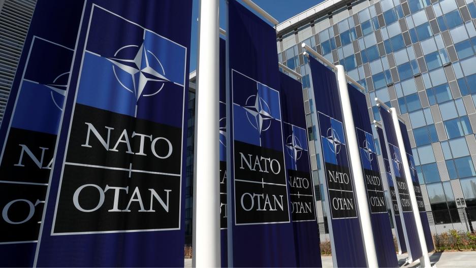 Pompeo i Mas brane NATO posle Makronovih komentara