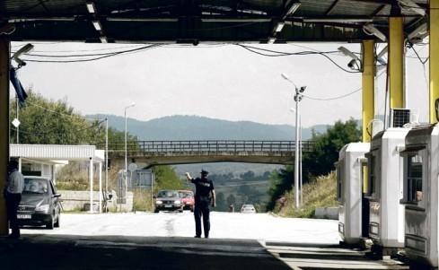 Albanci vratili osam autobusa Srba koji su krenuli s juga KiM na miting