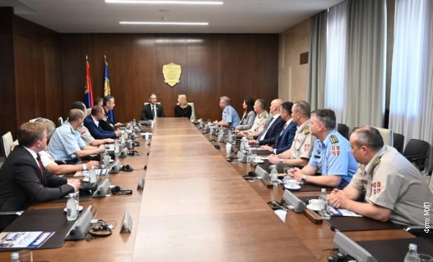 Stefanović sa studentima bezbednosti o saradnji