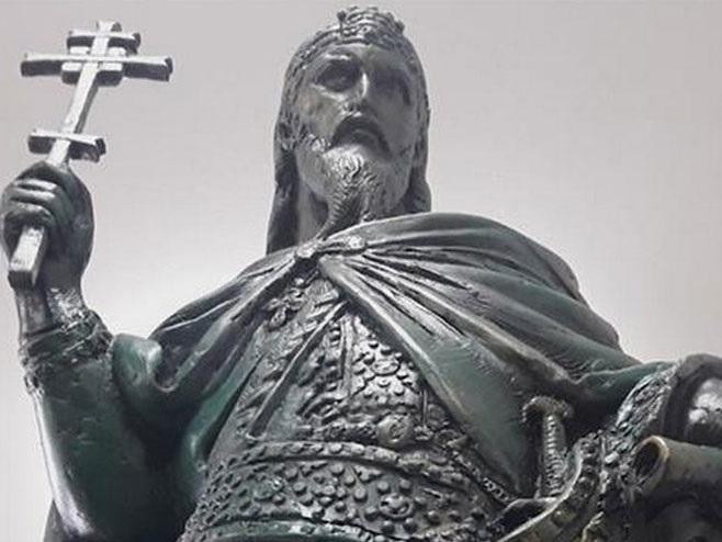 Uhapšen državljanin Avganistana osumnjičen da je oštetio spomenik Stefanu Nemanji