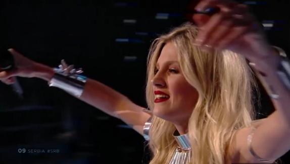 Nevena Božović oduševila sve nastupom u polufinalu Evrovizije, publika je nagradila ogromnim aplauzom