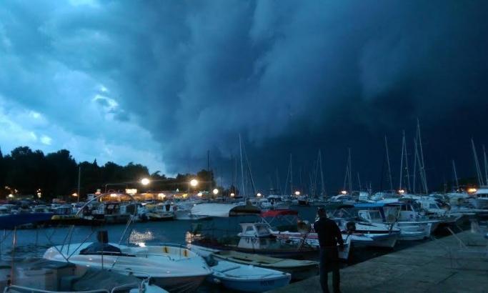 Potop posle nevremena u Istri, temperatura drastično pala