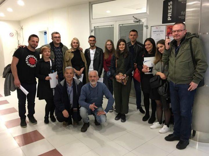Mladi novinari posetili medije u Prištini i Beogradu