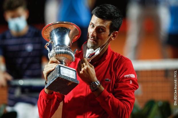 Đoković pobegao Nadalu i krenuo u juriš na Federerov rekord