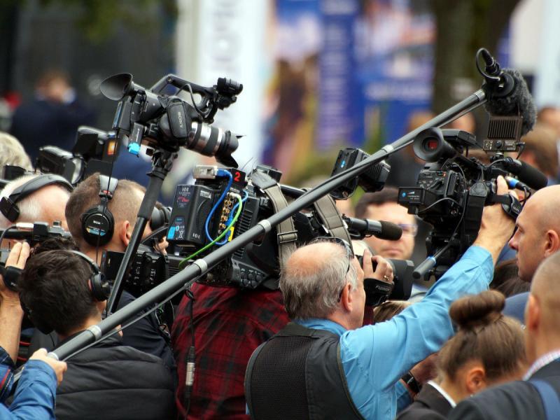 Medjunarodna federacija novinara: Zaustavite uznemiravanje izveštača sa Kosova