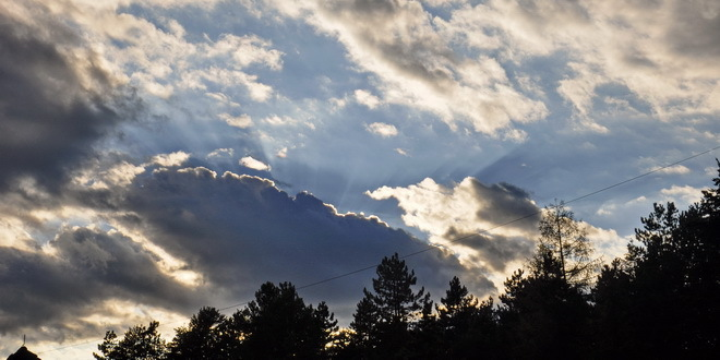 Oblačno, od sredine dana pad temperature