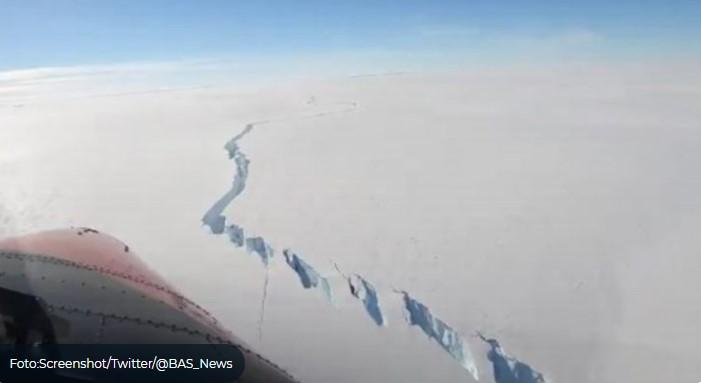 Odlomila se santa leda veća od Londona (video)