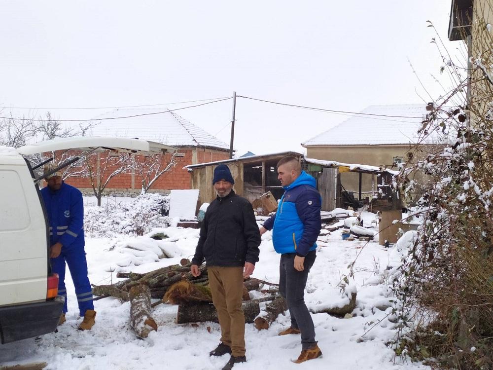Gračanica: Nastavljena podela ogreva socijalno ugroženim porodicama