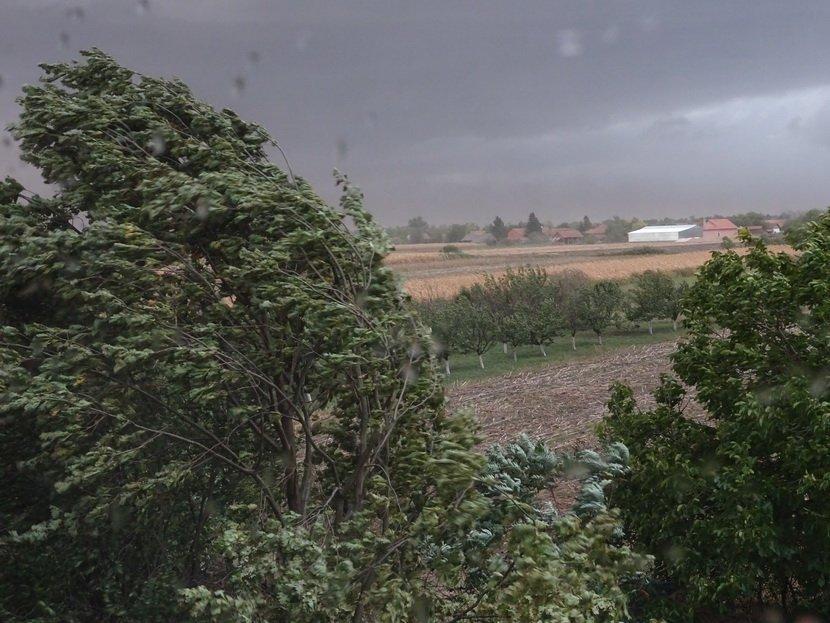 RHMZ: Upozorenje na jak i olujni vetar danas i za vikend