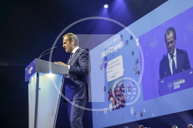 Tusk izbran za predsednika Evropske narodne stranke
