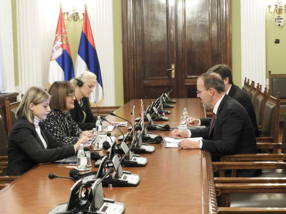 Maja Gojković razgovarala sa američkim ambasadorom Godfrijem