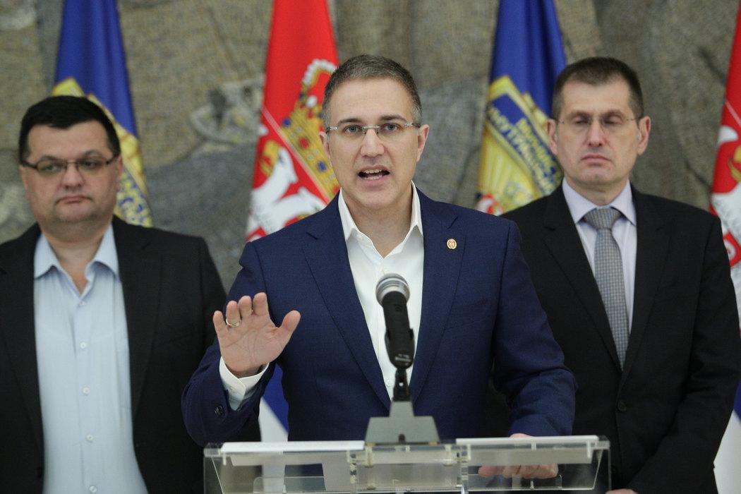 Stefanović: Neću dozvoliti politički pritisak i nasilje nad policajcima