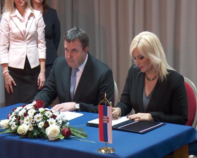 Mihajlovićeva: Skratiti čekanje na granici sa Mađarskom