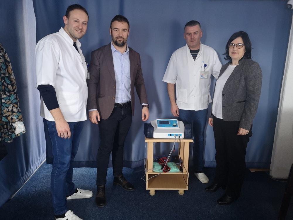 Gračanica: Zdravstvenim ustanovama uručena opremu za fizikalnu terapiju