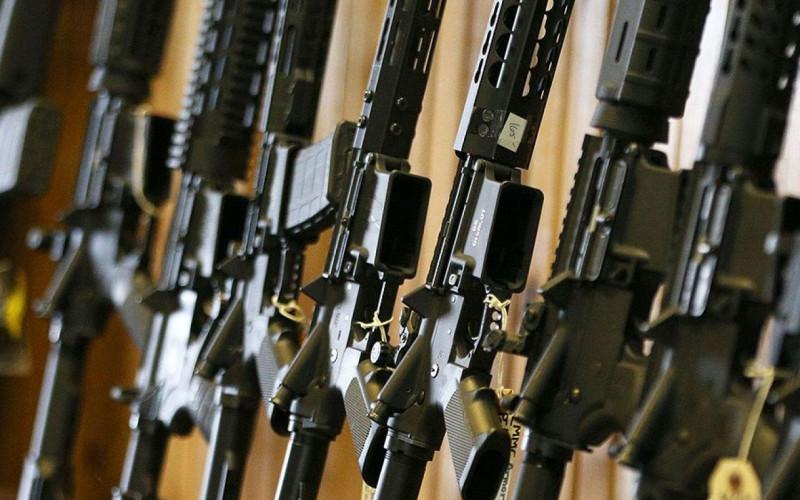 KPS: Uhapšena dva lica zbog posedovanja oružja a na tri lokacije izvršen pretres