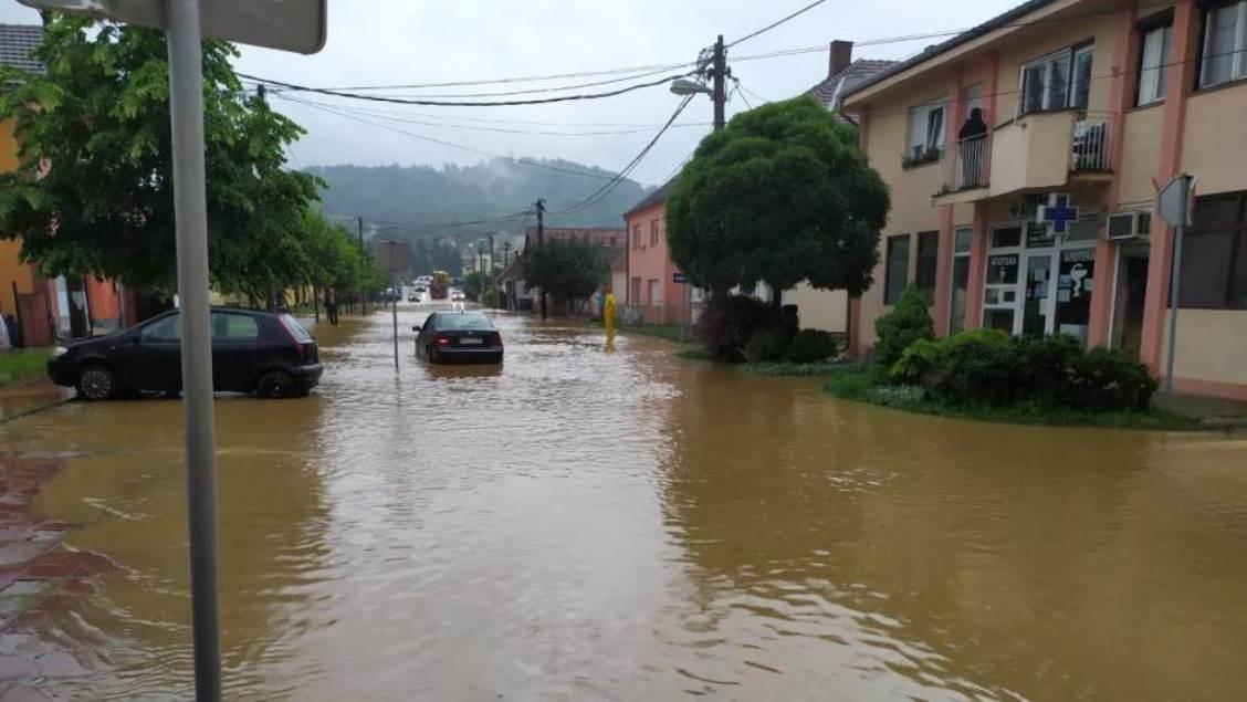 Vanredna situacija u Osečini zbog izlivanja Jadra