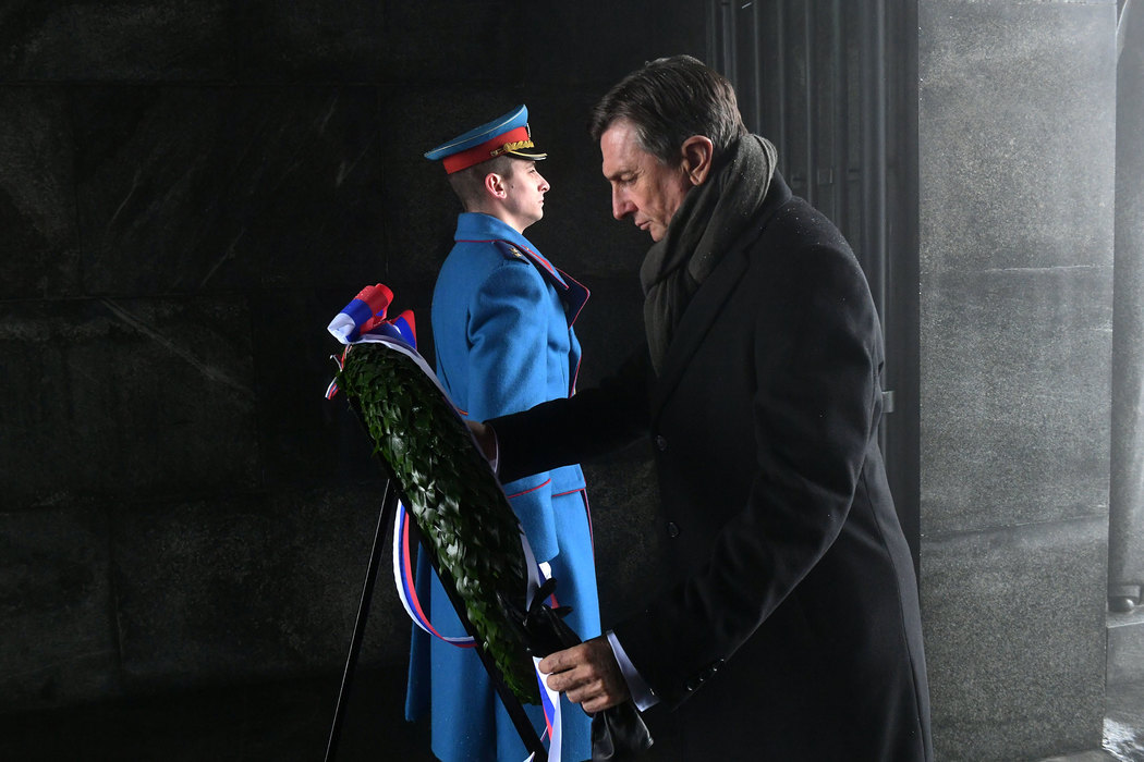 Pahor položio venac na Spomenik neznanom junaku