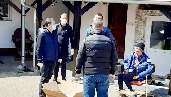 Opština Parteš podelila pakete dobijene od Ministarstva za zajednice i povratak