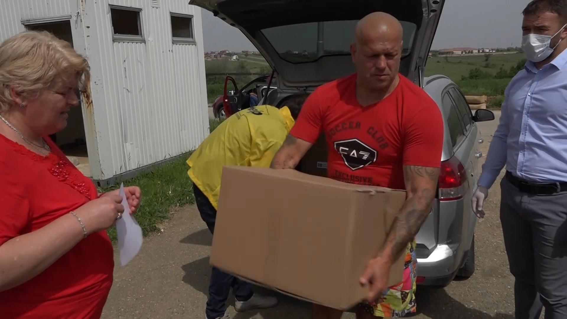Dopremljeni paketi pomoći za socijalno ugrožene u opštini Gračanica