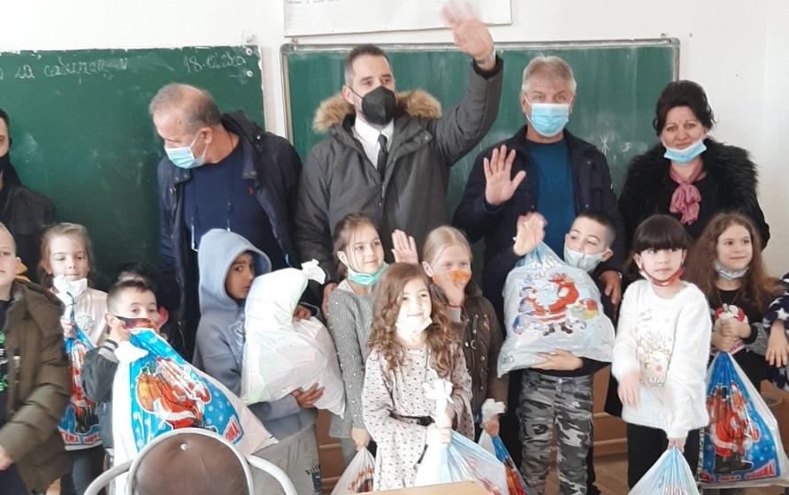 Jovović: Nema ničeg lepšeg od osmeha na licu deteta na Kosovu i Metohiji (foto)