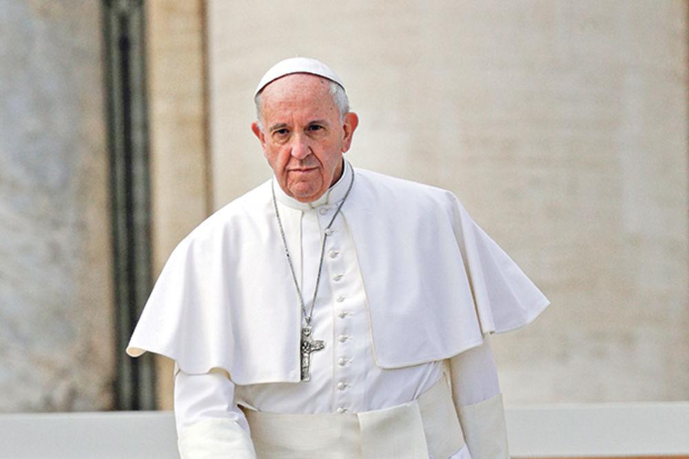 Papa Franja ukinuo pravilo