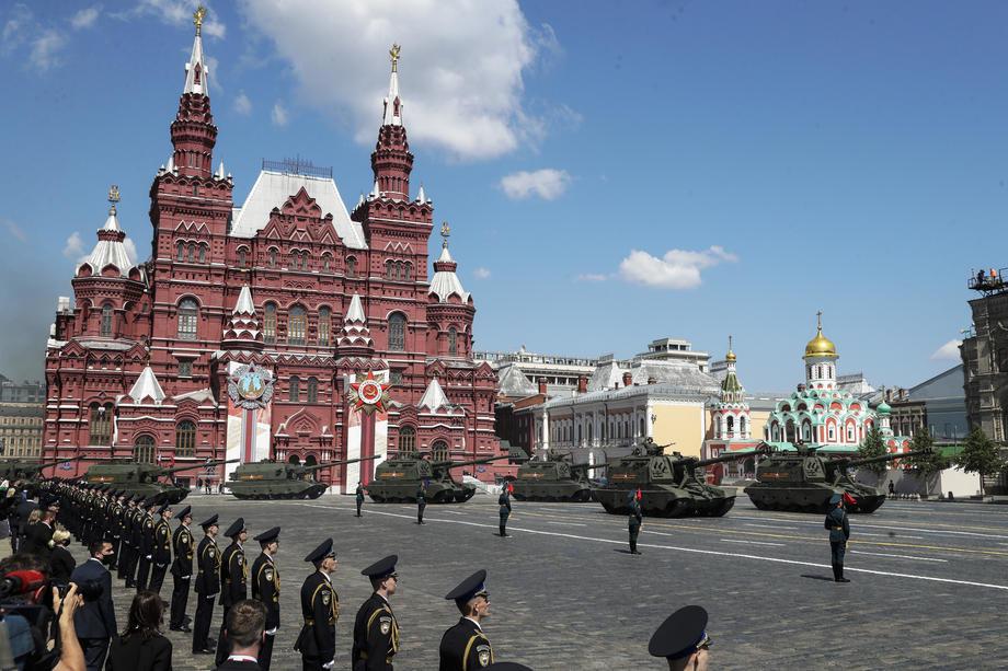 Vojna parada u Moskvi u čast pobede nad fašizmom, defiluje 12.500 vojnika