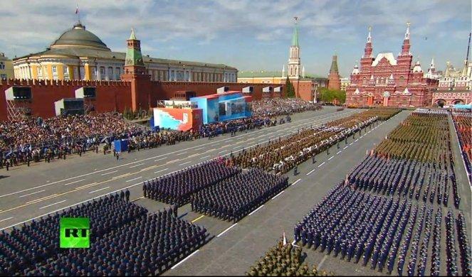 Putin odložio majsku Paradu pobede