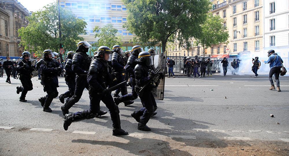 Na protestima u Parizu privedeno skoro 250 osoba