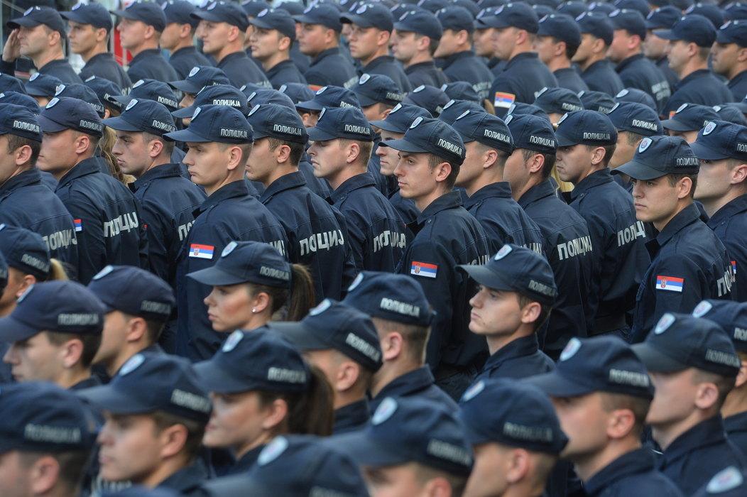 Promovisane tri nove klase pripadnika MUP-a, od sutra 711 novih policajaca na ulicama