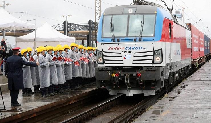 Vozom iz Kine stiglo još 300 tona medicinske opreme