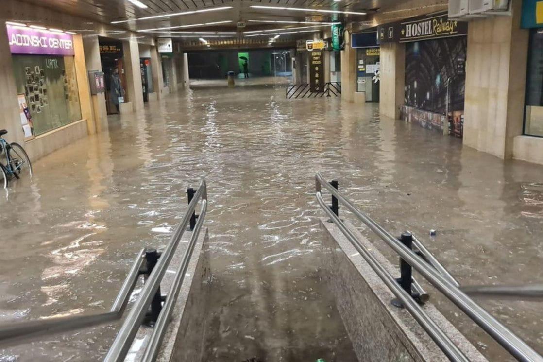 Obilne padavine izazvale poplave u Ljubljani