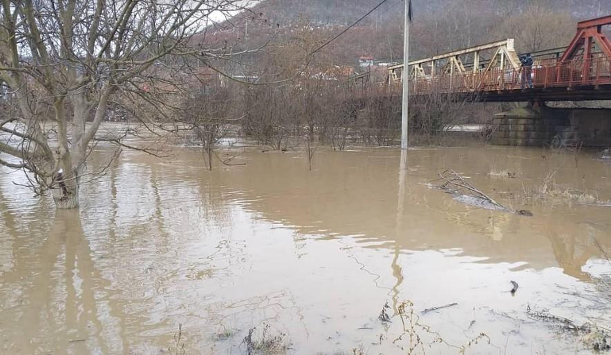 Todosijević: Najteže u Grabovcu i Rudaru; Opština i Kancelarija za KiM će pomoći stanovništvu u otklanjanju štete